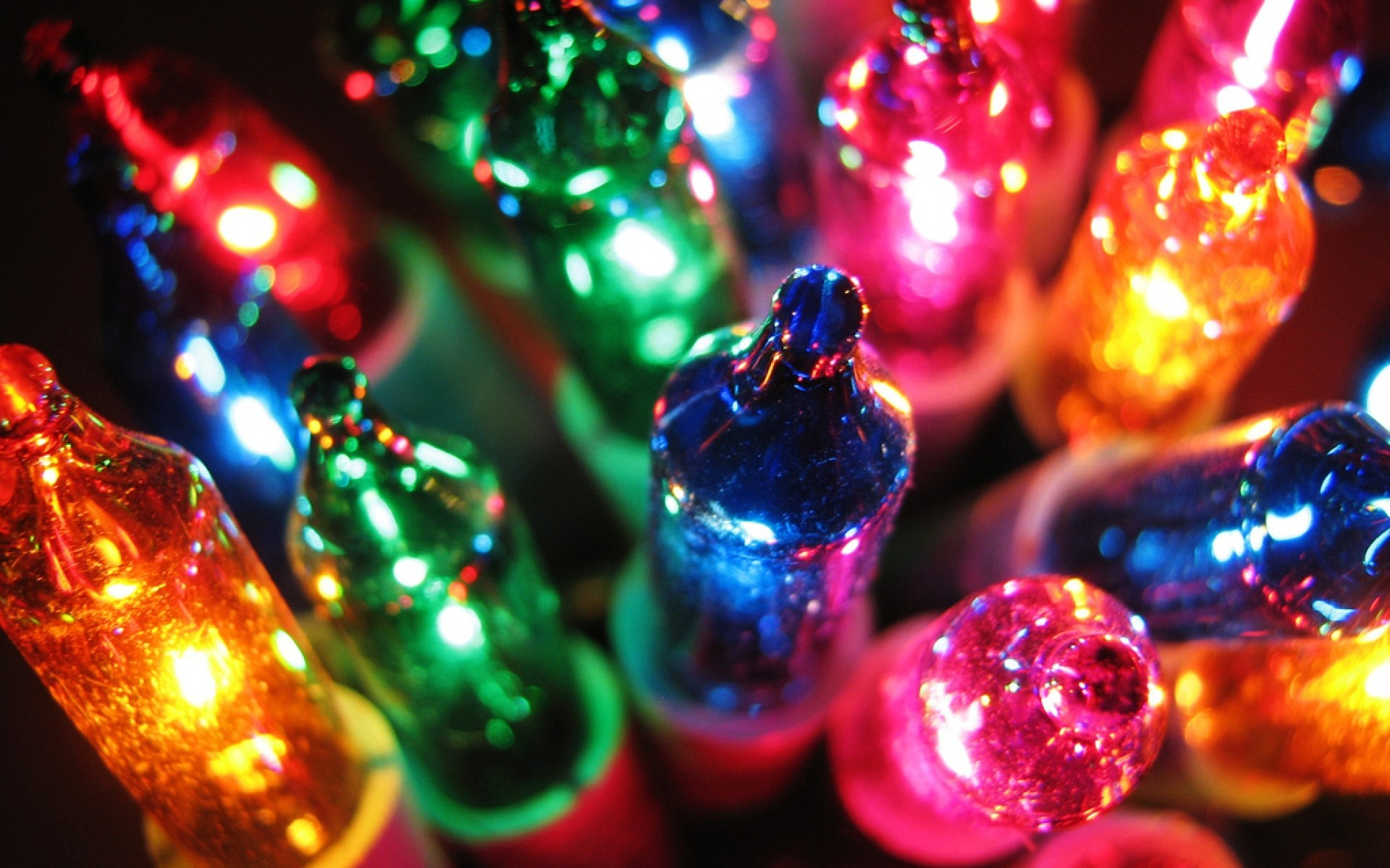 25 Colorful Hd Wallpapers To Light Up Your Display: It's The Most Wonderful Time Of The Year (nearly